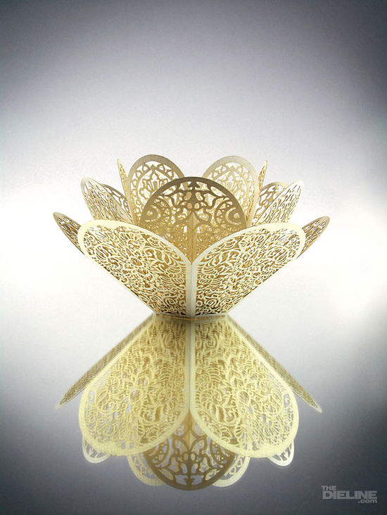 Trine_lotus_tealight_2_wm