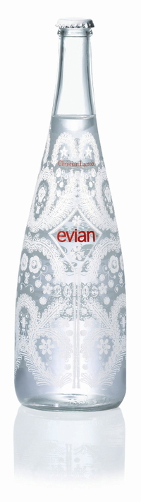 Bottle_evianpretporter_hd_3